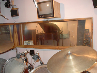 Drum Booth Monitor